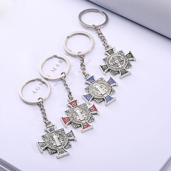 Atslēgu piekariņš krusts ar Svētā Benedikta medaljonu