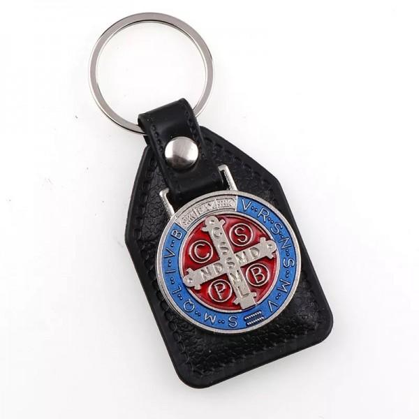 Atslēgu piekariņš ar Svētā Benedikta medaljonu